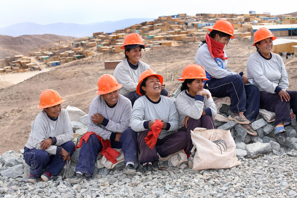 These Fairtrade Gold miners are part of the Esperanza Miners' Association in Peru.