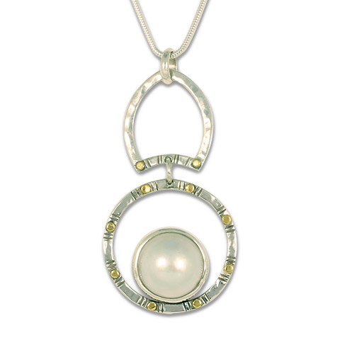 Mabe Circle Dangle Pendant in