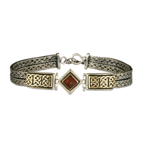Iona Bracelet with Gem in Garnet