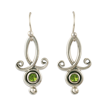 Viola Earrings with Gems in Peridot