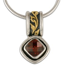 Flores Cushion Pendant in Garnet