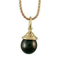 Black Tahitian Pearl Knot Pendant in 18K Yellow Gold